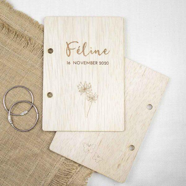kaartenboek-hout-geboortekaartje-gepersonaliseerd